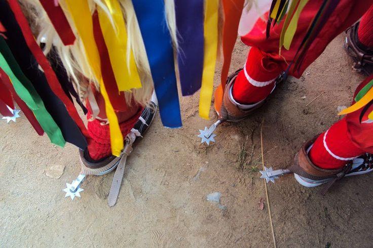 Las espuelas son otro elemento grafico que puede volverse un grafismo dentro de los que se saquen de la fiesta del Corpus Christi.