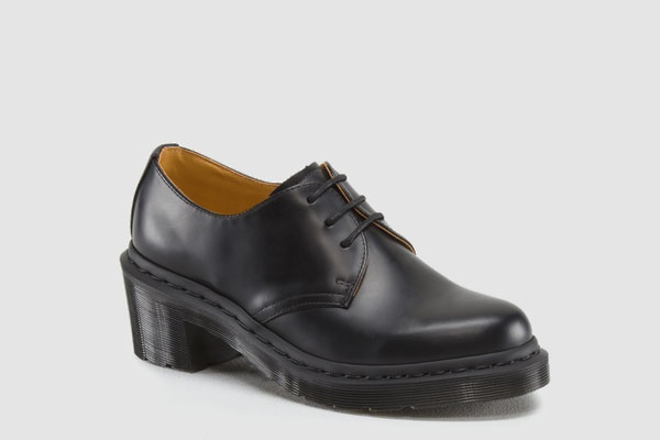 Those are docs? A-typical Dr. Martens that challenge traditionDoc Martens, Shoes Stalk, Fashion Interactive, Fashion Ideas, A Typ Dr., Fall Fashion, Everyday Shoes, Fashion Style Etc, Feet Wear