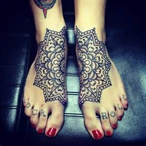 50 amazing connecting tattoos | Tattoodo.com