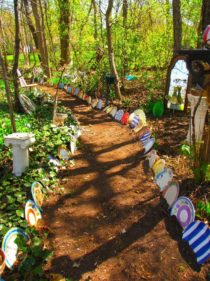 20 best alice and wonderland photo shoot images on - Alice in wonderland outdoor decorations ...