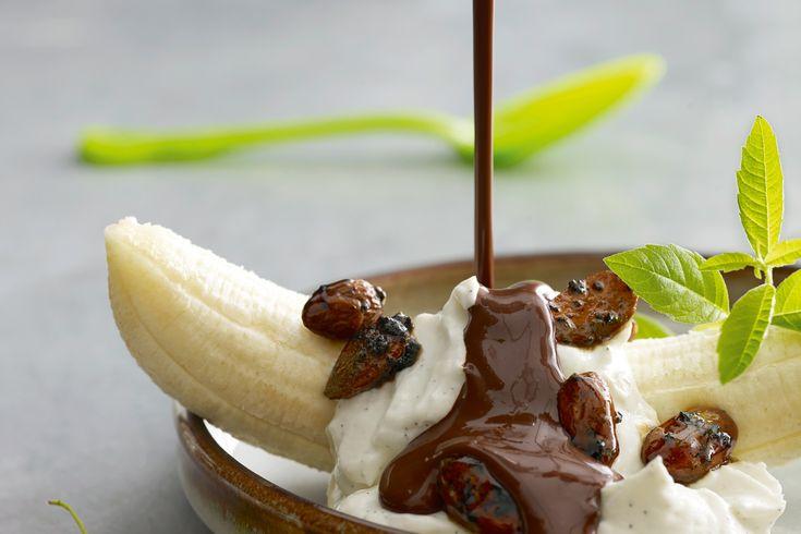 Bananasplit er ikke ligefrem kendt for sin slankende effekt, men med denne moderniseret version lover vi, at du kan nyde hver bid med god samvittighed!