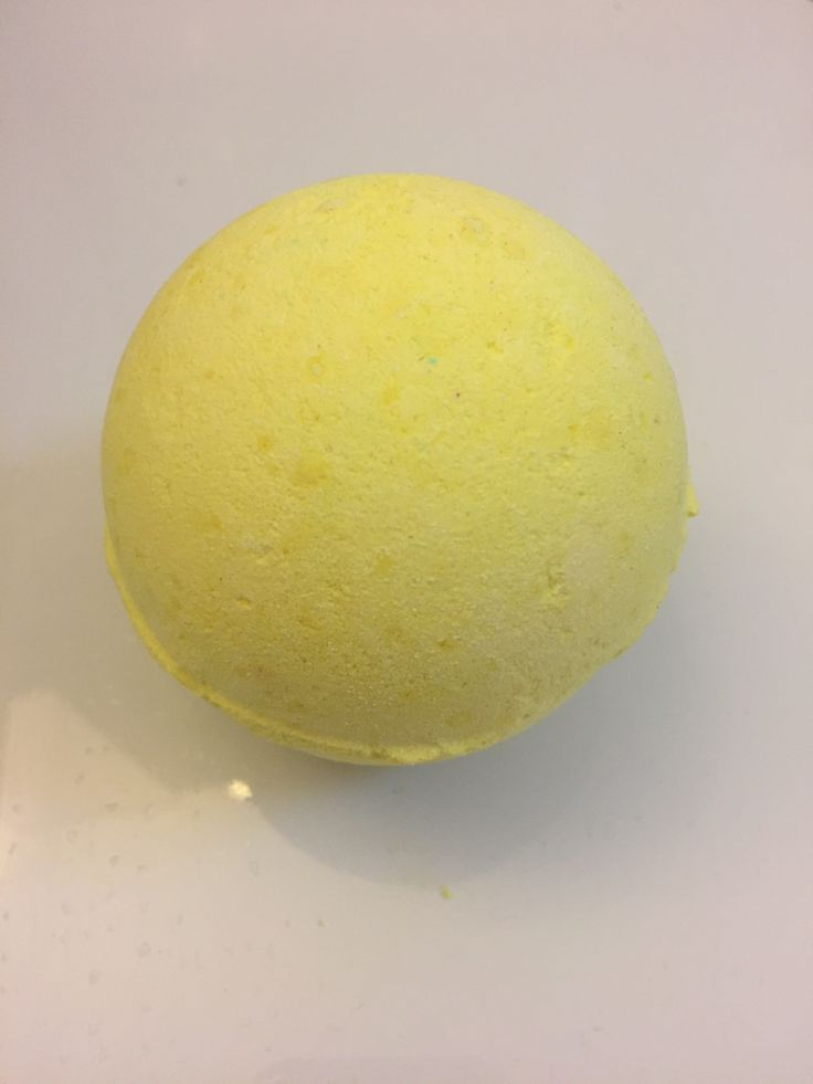 High anxiety and lower temps have me reaching for my go-to bath bomb. #lush #crueltyfree #vegan #bathbomb