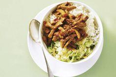 Kijk wat een lekker recept ik heb gevonden op Allerhande! Babi ketjap met Chinese kool en rijst