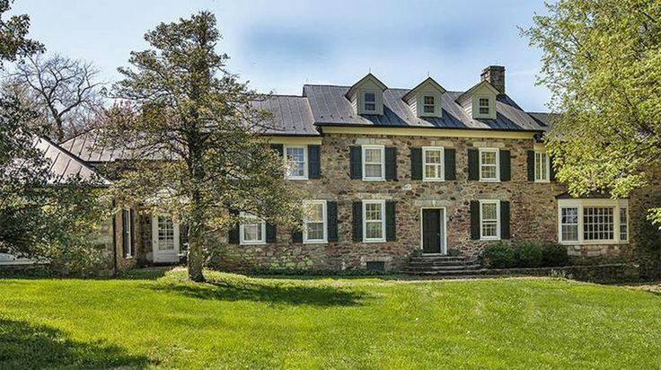 The manor house at Atoka Farm dates to the 1860s. The Northern Fauquier farm where former U.S. Sen. John Warner (R-Va.) and his famous actress wife Elizabeth Taylor lived and entertained.