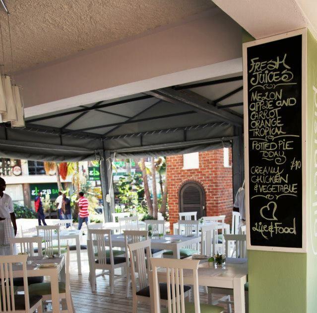 Pistachio Restaurant Harare Zimbabwe !! https://flightstoafrica15.wordpress.com/2015/08/08/tour-groups-in-harare-zimbabwe/