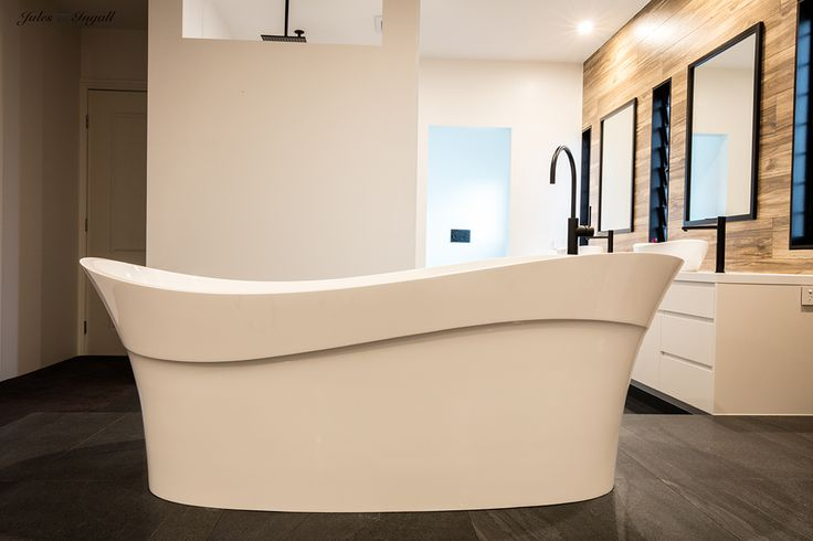 The Victoria and Albert pescadero bath and amalfi 55 basins were used in this open plan industrial inspired master bedroom and ensuite with matt black taps. Victoria and Albert is imported and distributed in Australia by Luxe by Design, Brisbane. Call us today to find a local retailer. 07 3265 7133