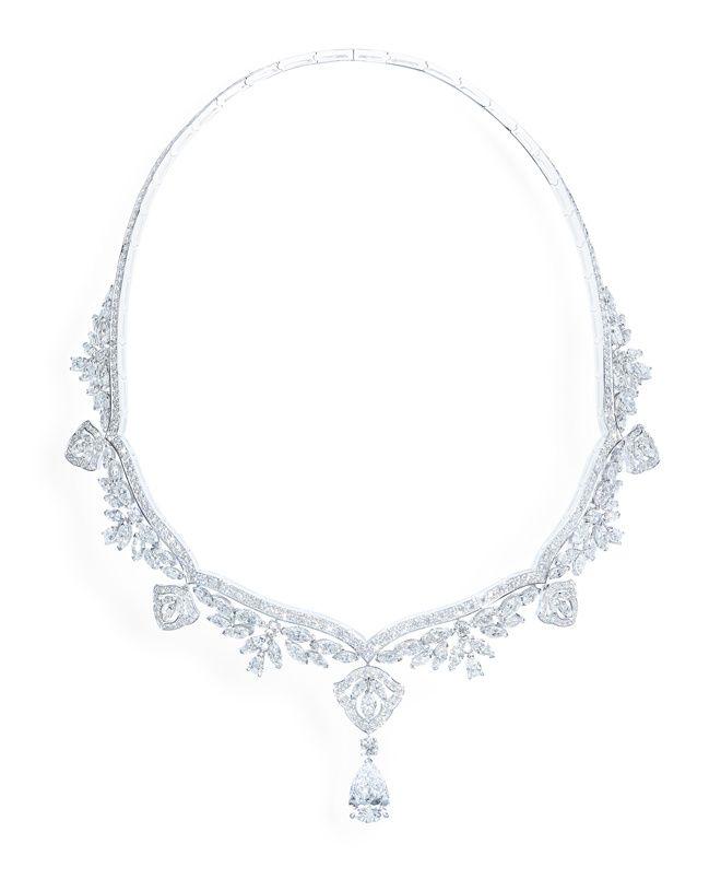 Collection Secrets and Lights de Piaget diamants carats place Vendôme haute joaillerie http://www.vogue.fr/joaillerie/a-voir/diaporama/16-bijoux-des-collections-haute-joaillerie-juillet-2015-de-la-place-vendme/21484#collection-secrets-and-lights-de-piaget