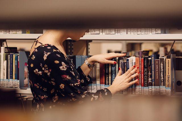 Tekla Könyvei – könyves blog: Nyomtatott- vagy ekönyv, ez itt a kérdés