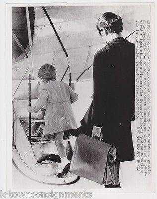 Bobby Kennedy & JFK John Kennedy Jr Aspen Colorado Airport Vintage Press Photo