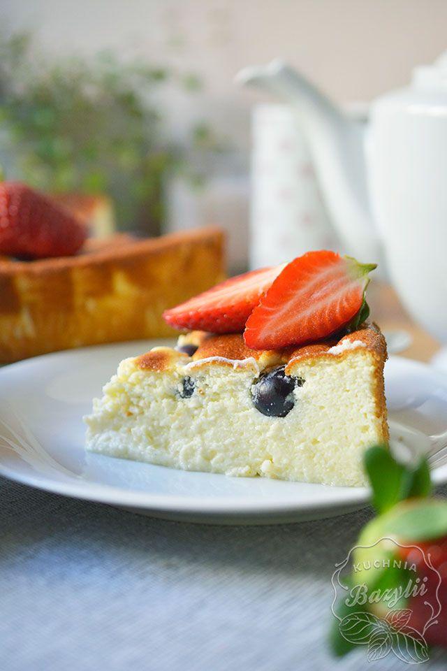 https://www.kuchniabazylii.pl/2018/03/sernik-z-jogurtow-greckich/ #ciasto #sernik #wypieki