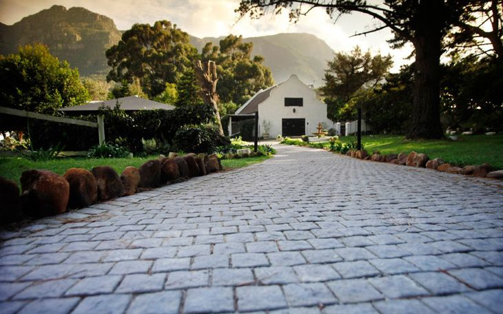 Situated in picturesque Upper Valley Hout Bay, this is a great venue for any special occasion. Monchique is a family run business known for its delicious cuisine and home baked breads. This venue has various different spaces, including the Barn, a gazebo bar as well as a tiny chapel perfect for signing a wedding registry. The barn has a banquet sized fireplace which creates a wonderful ambiance in these cool winter months.