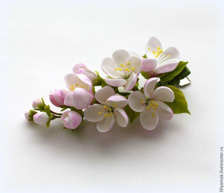 Купить веточка с цветами яблони на зажиме - бледно-розовый, яблоневый цвет, цветы ручной работы