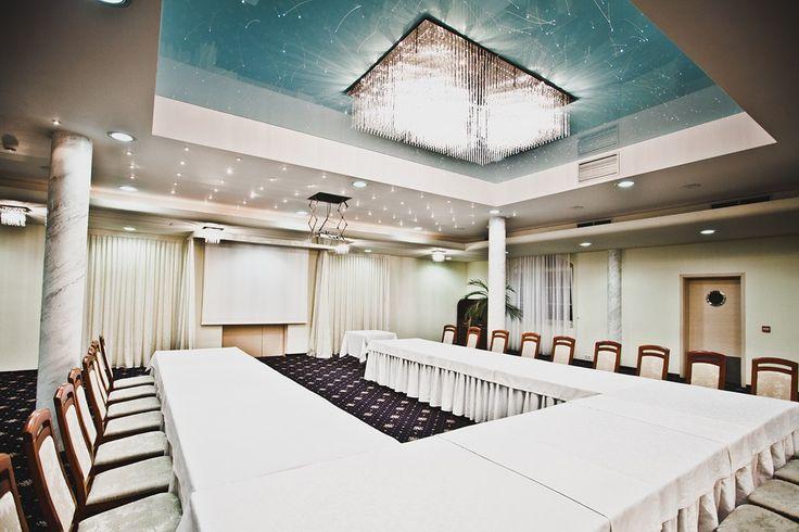 Jedna z ekskluzywnych sal konferencyjnych. Przeczytaj więcej: http://www.parkhotellyson.pl/65-sale-konferencyjne #boardroom