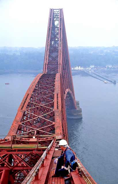Forth Rail Bridge southern cantilever., Edinburgh, Scotland