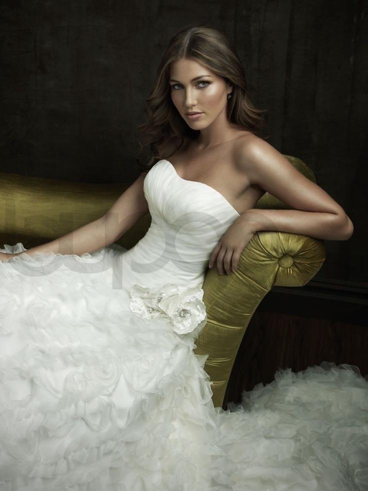 Organza ball gownDresses Wedding, Wedding Dressses, Ball Gowns Wedding, Dreams Wedding Dresses, Fit Bodice, Bridal Gowns, Dreams Dresses, Allure Bridal, Ruffles