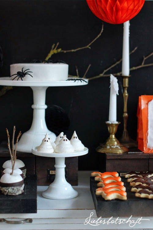 Liebesbotschaft: Halloween sweet table