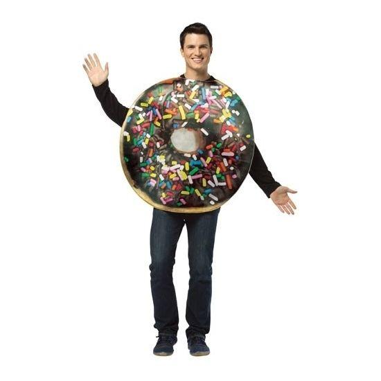 Donut verkleedkostuum voor volwassenen. Het kostuum bestaat uit een foam tuniek met chocoladedonut print. Materiaal: 100% polyester foam.