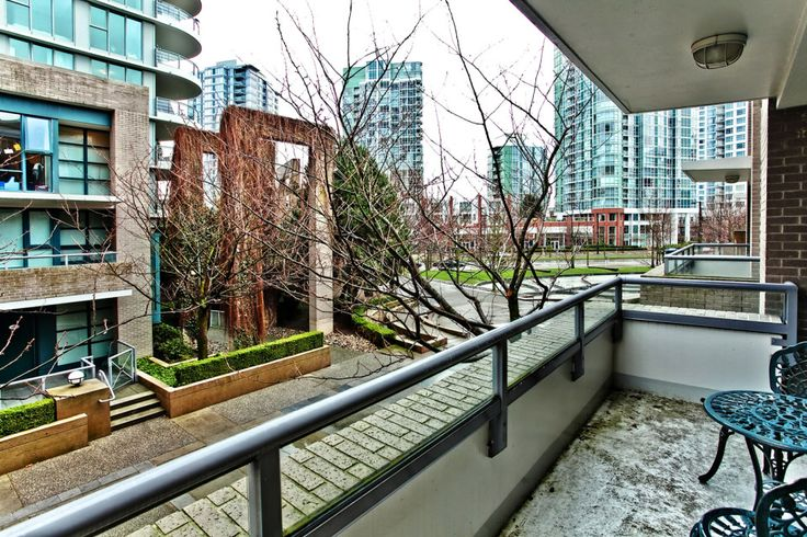 1037 Expo Boulevard Marina Pointe Condo in Yaletown Vancouver Real Estate 604-763-3136 Mike Stewart Realtor