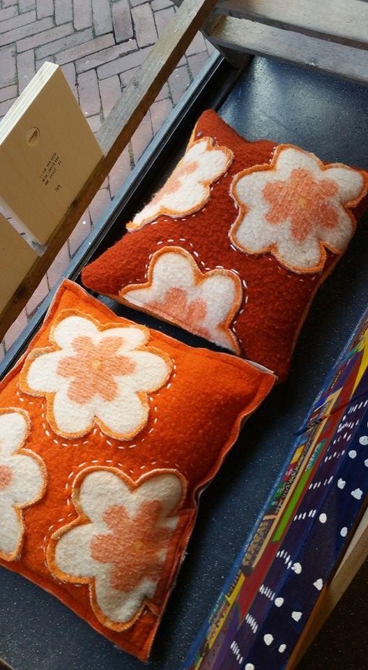 bloemen kussens - wolle deken - bijdehand