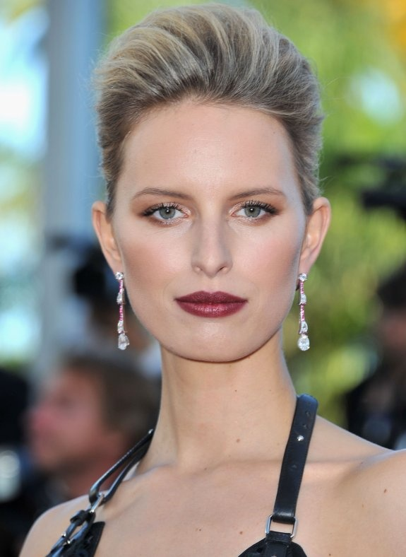 karolina kurkova french twist hairstyle