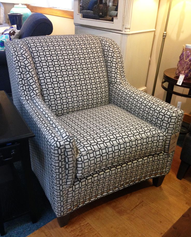Grey white lattice patterned chair by smith brothers for Homemakers furniture illinois