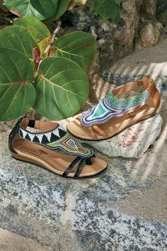 Our Pikolinos Alcudia Sandals have striking hand-beading, crafted by Maasai tribeswomen in Kenya. They are also eco-friendly!