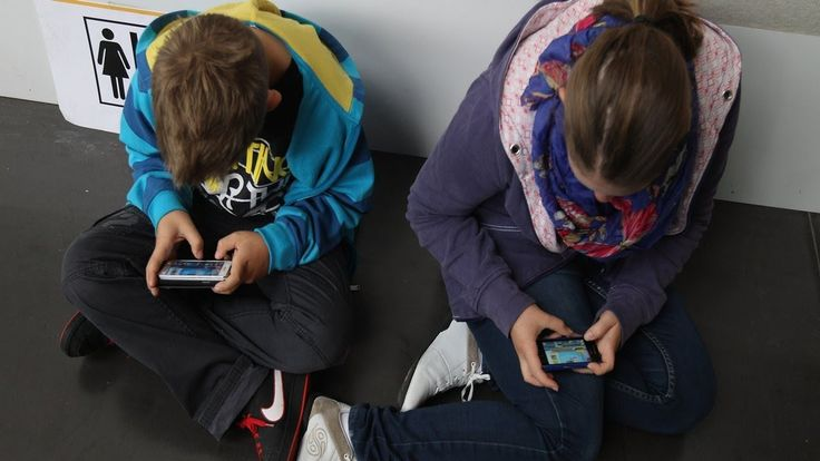 A new initiative in Colorado is pushing to ban smartphone sales to child... A new initiative in Colorado is pushing to ban smartphone sales to children.  According to a report published in The Washington Post, Denver area anesthesiologist Tim Farnum has created a non-profit organization called Parents Against Minors Smartphones that has developed an electoral initiative (No. 29) that would make it illegal for retailers to sell Smartphones to children under the age of 13…