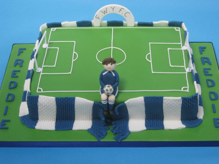 Football Cake Decorating Ideas How To Make : The 25+ best ideas about Football Pitch Cake on Pinterest ...