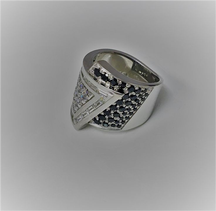 ..there's jewellery.., then there's us! Custom crafted #whitegold & #diamond ring