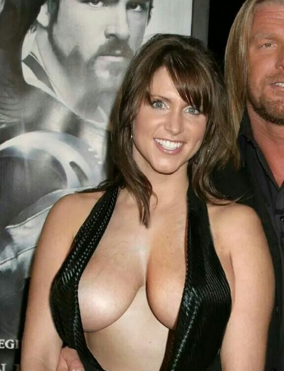 Hot wwe diva stephanie hot boobs
