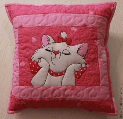 """Пледы и одеяла ручной работы. Детское лоскутное одеяло для девочки """"Кошечки""""+подушка. Лоскутные радости. Ярмарка Мастеров. Одеяло детское"""