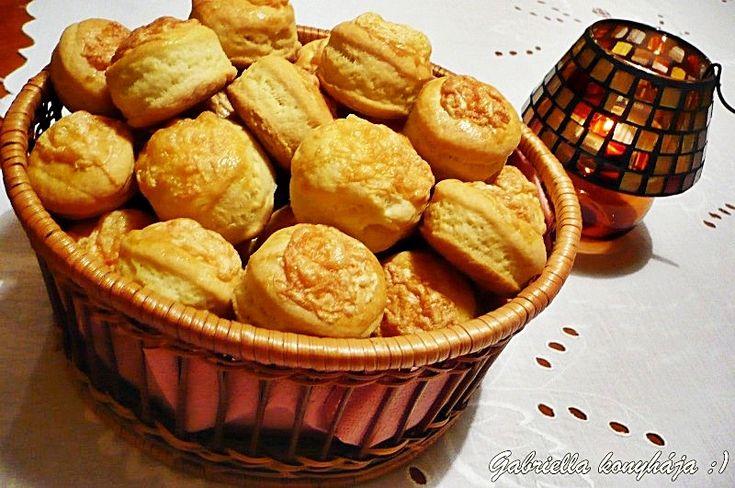 Gabriella kalandjai a konyhában :): Sajtos pogácsa