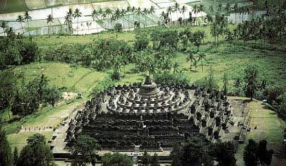 The Buddhist temple of Borobudur, Indonesia was built during the Sailendra dynasty and is one of the greatest architectural wonders in this country.