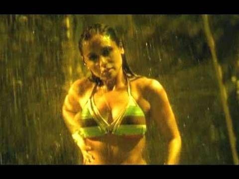 Rani Mukherjee loves her sexy bikini body http://edlabandi.com/63855-rani-mukherjee-loves-her-sexy-bikini-body.html
