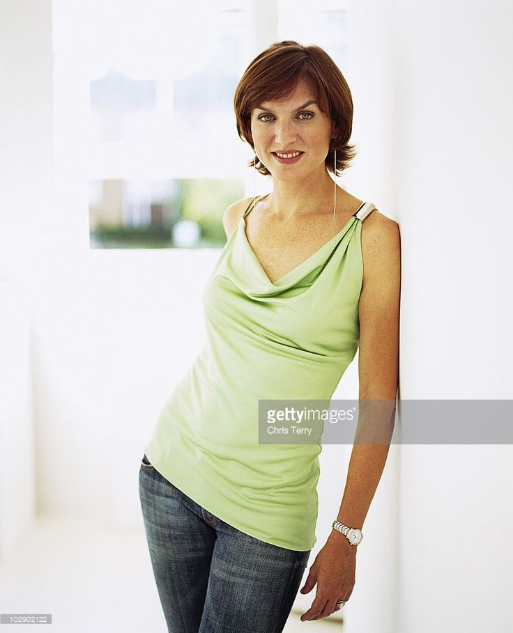 Best 20+ Fiona bruce ideas on Pinterest | Claudia strictly, Going gray and Long gray hair