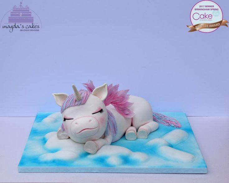 Sleeping Baby Unicorn by Magda's Cakes (Magda Pietkiewicz)