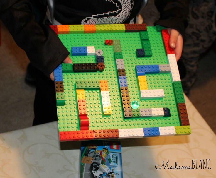 die 25 besten ideen zu lego einladungen auf pinterest lego partys lego. Black Bedroom Furniture Sets. Home Design Ideas