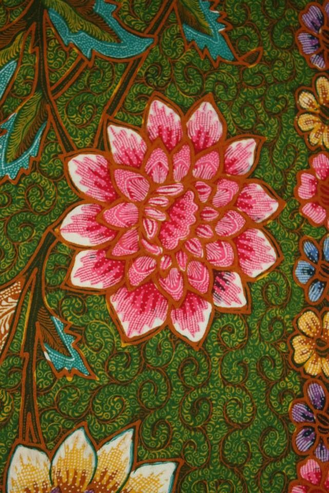 Flower from Java Hokokai Batik. Love the pattern and details of this batik. Prossesing by handrawn. Indonesian batik