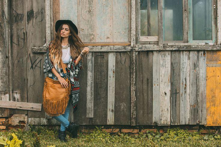 Handmade leather shoulder bag #mahila #leather #handmade #boho #bohemian #bohoinspiration #genuine #bag #fringe www.mahilacouro.com.br