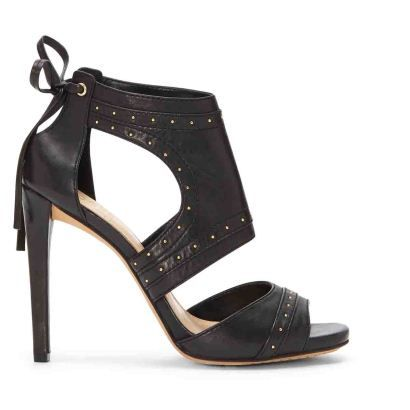 Yüksek Topuklu Sandalet #sandalet #yuksektopuklusandalet #açıkayakkabı #bantlıayakkabı #yazlıkayakkabı #vincecamuto #siyahderitopuklusandalet