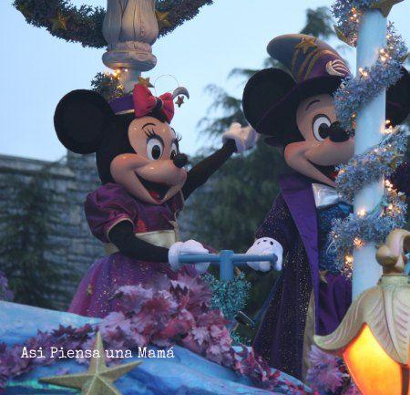 Desfile. Disney's parade. Viajar a Disneyland Paris en invierno. Travelling with kids. Viajes con niños