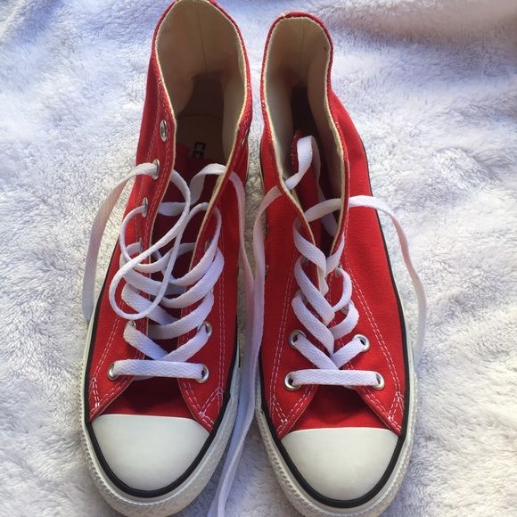 Converse All Star Hi-Top Worn one time indoors only! Inside a casino in Las Vegas! Still smells like new! Size 6.5 in men fits women 8/8.5 Converse Shoes Sneakers