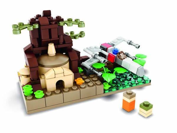 SDCC 2015 LEGO Star Wars Mini Dagobah Exclusive Set - Read more on www.hothbricks.com