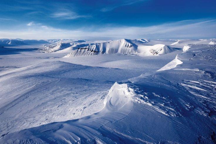 Gletscher, so weit das Auge reicht: die Fjordlandschaft Spitzbergens.