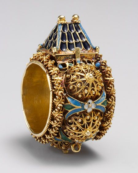 Jewish betrothal ring, ca. 17th–19th century. Venice or Eastern Europe. The Metropolitan Museum of Art, New York. Gift of J. Pierpont Morgan, 1917.