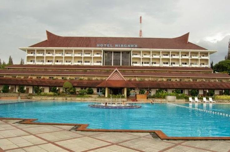 Hotel Niagara Parapat - Lake Toba   Jl. Sisingamaraja 8 Parapat, Telepon : (0622) 21091, 21667