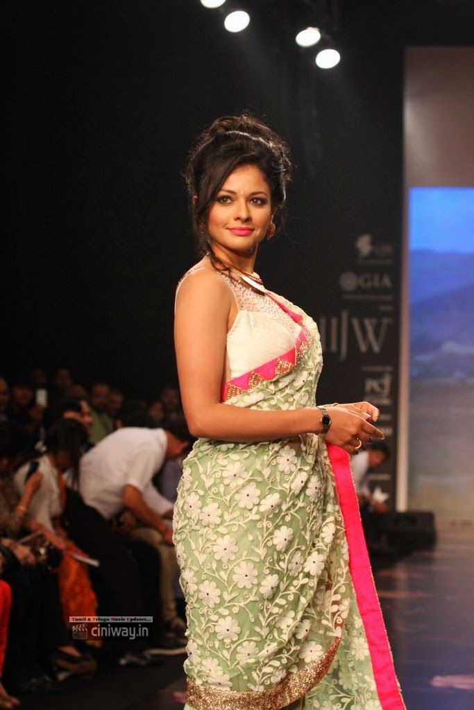 Pooja Kumar Walks the Ramp