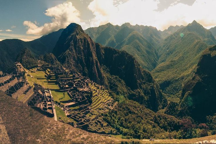 DE: instagram.com/nelsonmochilero   Majestuoso MachuPicchu, Cusco - Perú   (c) Nelson Mochilero