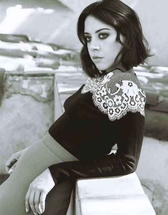 aubrey plaza, i love how dark and mysterious she can look sometimes! #girl_crush…