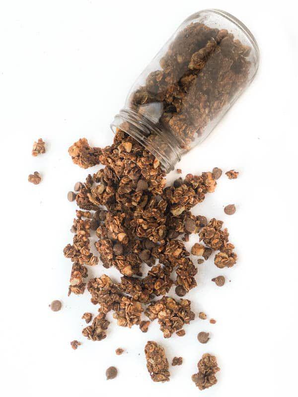Mexican Hot Chocolate Granola - An easy homemade chocolate granola recipe